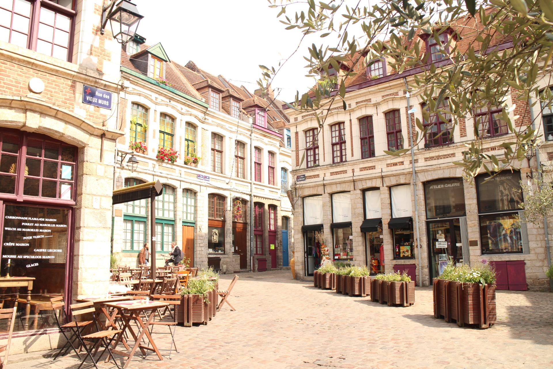 Lille city of culture cobbles and cuisine travel cocktail for Stage de cuisine lille