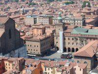 Bologna: porticoes, piazzas and pasta